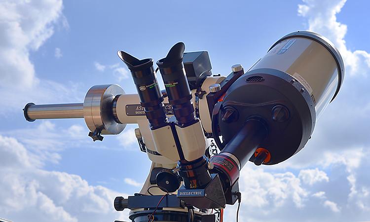 HaT en binoculaire